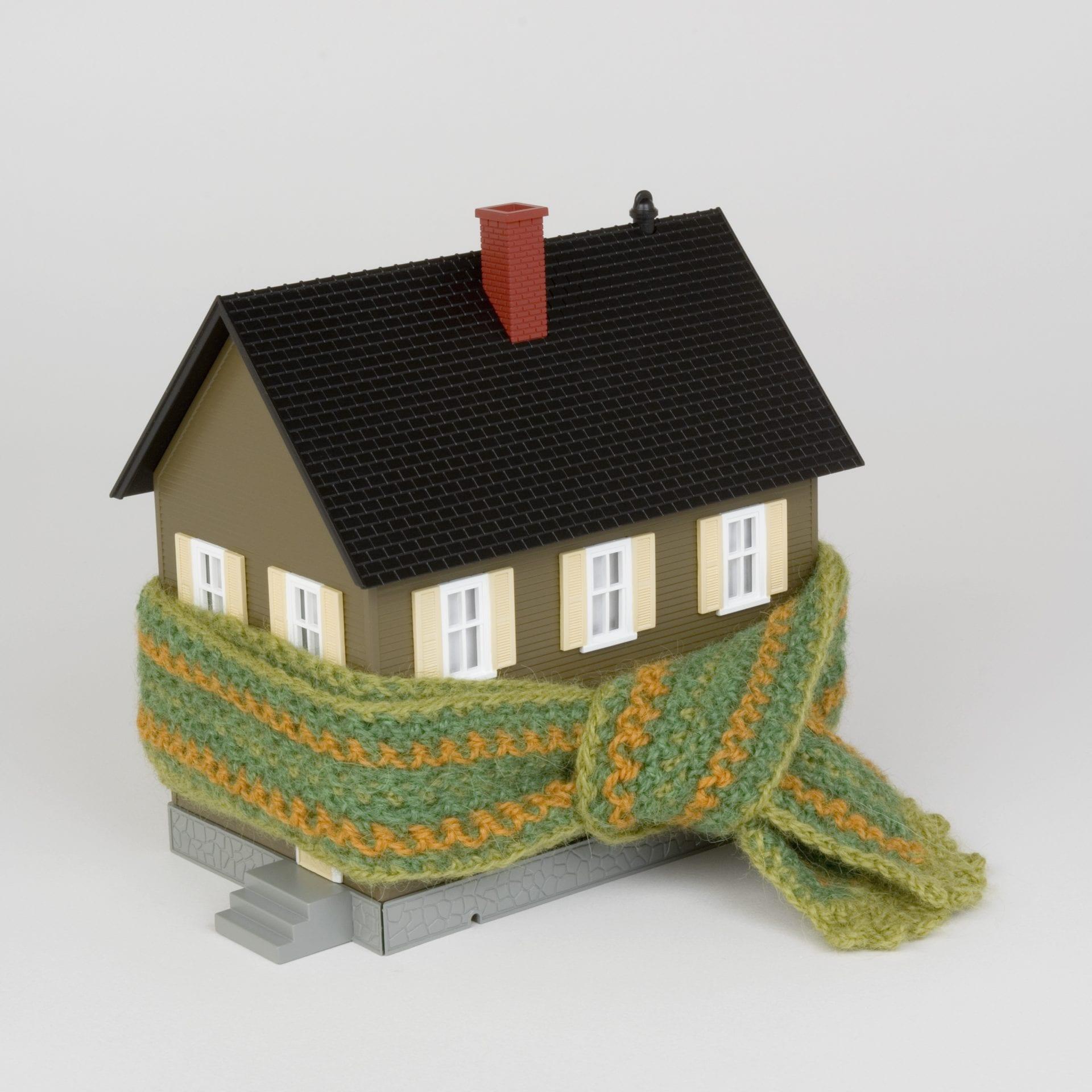 hus med skjerf rundt